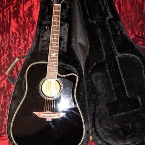 Limited edition Keith Urban Guitar COA